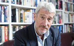 Photo portrait of Jeremy Paxman with a beard