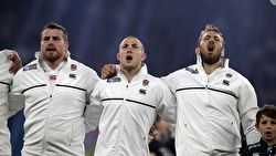 Picture of the English Rugby team during the national anthem