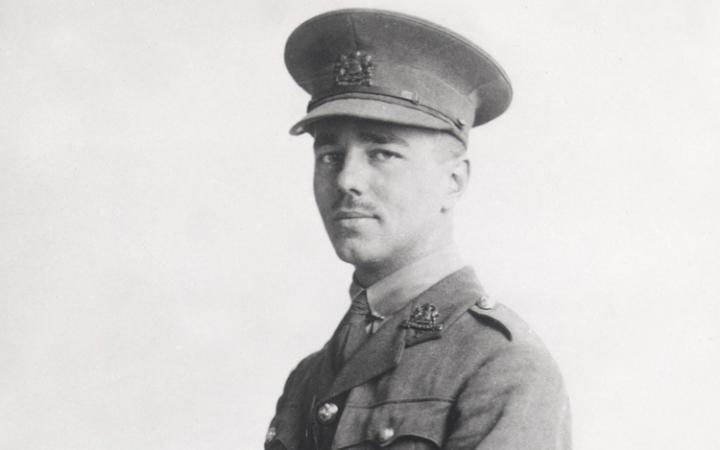 Photo of Wilfred Owen in uniform